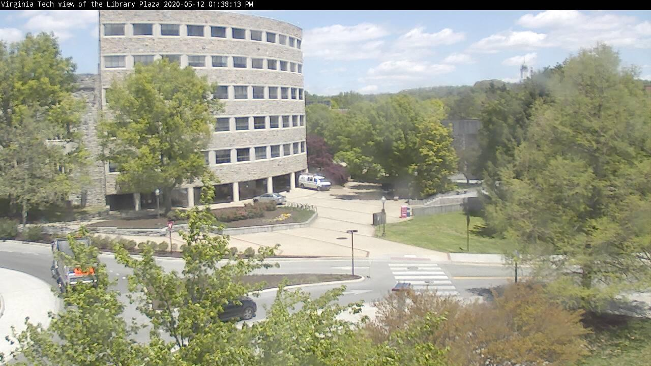 Webcam Blacksburg › North-East: Tech, Library Plaza Webca