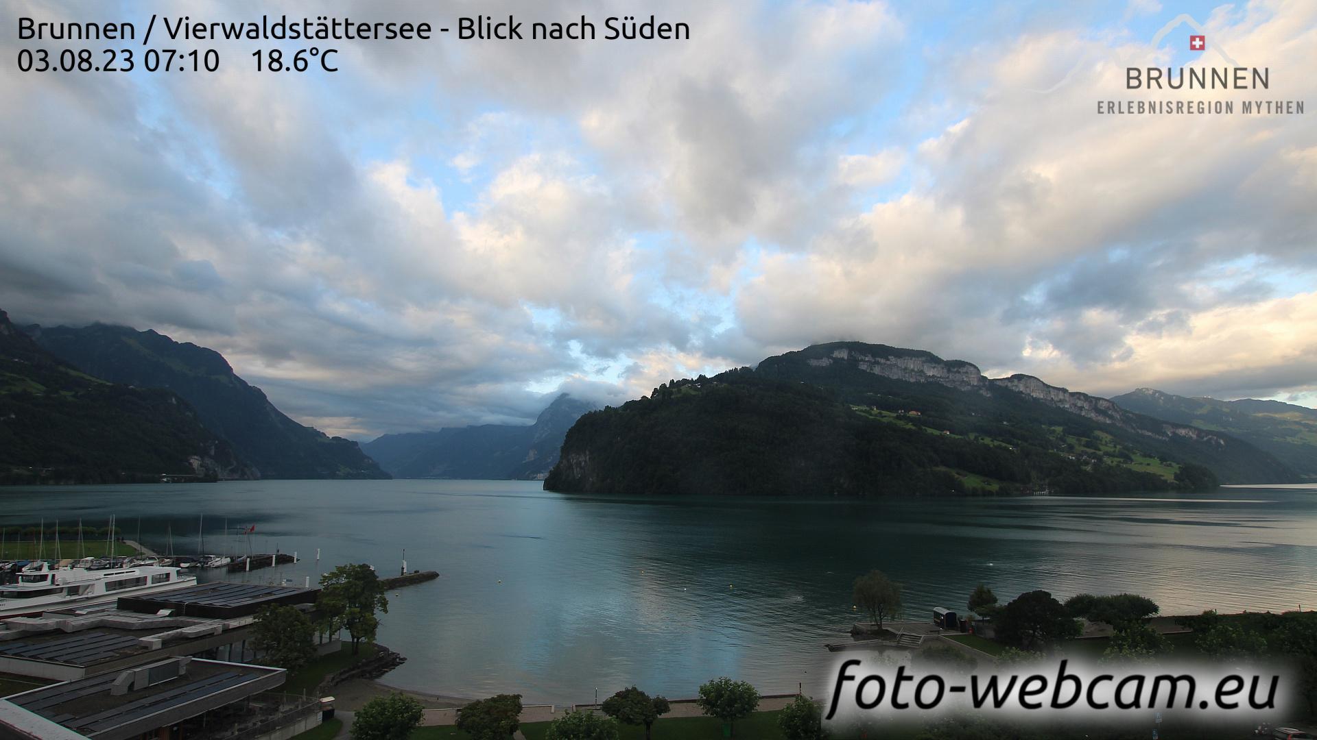 Webcam Brunnen SZ: Brunnen − Vierwaldstättersee − Blick n