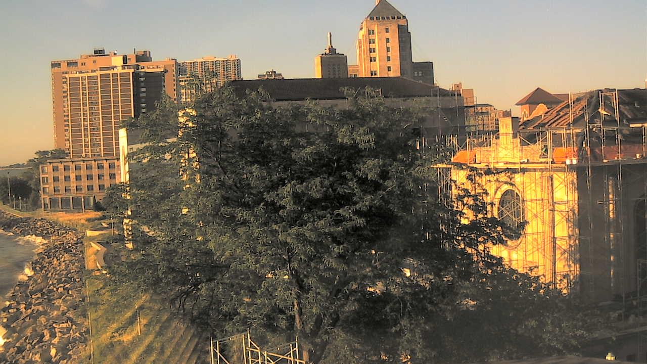 Webkamera Howard District: Loyola University Chicago lake fr