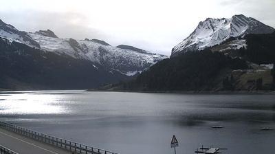 Vista de cámara web de luz diurna desde Innerthal: Wägitalersee