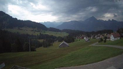 Amden › Süd: Restaurant Monte Mio - Arvenbüel - Skigebiet Arvenbüel Amden - Leistchamm - Mürtschenstock