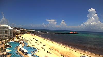 Daylight webcam view from Playa del Carmen: Playacar Palace Beach