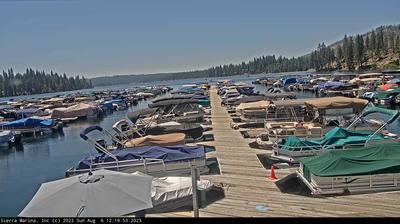 Vista de cámara web de luz diurna desde La Sierra: Sierra − Shaver Lake