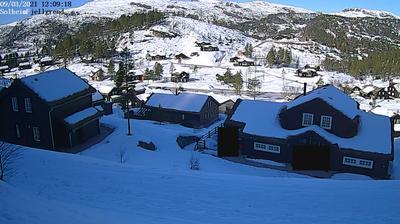 Daylight webcam view from Sinnes: Solheim Fjellgrend