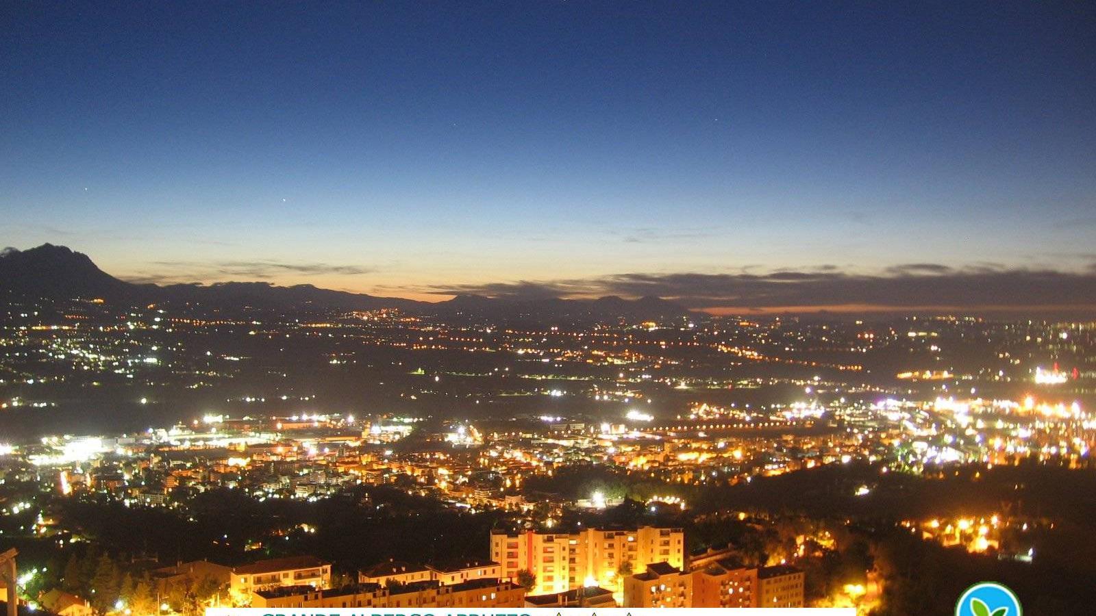 Webkamera Grande Albergo Abruzzo › North-West: Grande Alberg