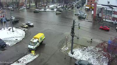 Webkamera Yaroslavl: Respublikanskaya ulitsa − prospekt Leni