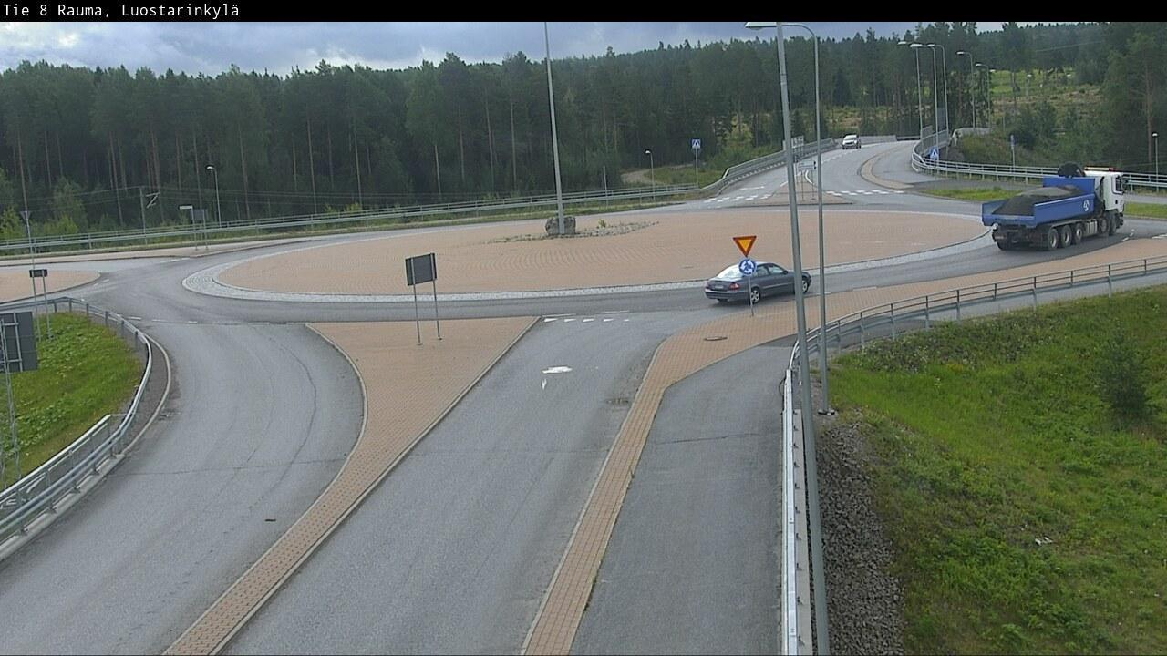 Webkamera Rauma: Tie 8 − Luostarinkylä − Ramppi/kiertoliitty