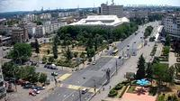 Ploieşti: Ploiesti City Hall - Piața Eroilor - Bulevardul Republicii - Day time