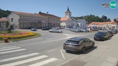 Vista de cámara web de luz diurna desde Požega: Trg Svetog Trojstva