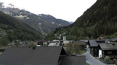 Daylight webcam view from Gufelgut: Partenen