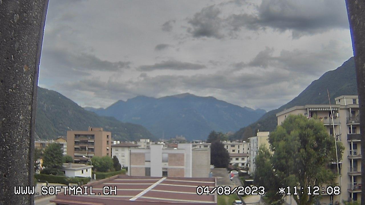 Webkamera Bellinzona: Giubiasco Richtung 3 Castelli di