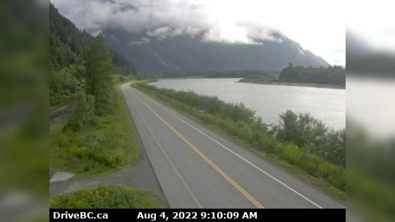 Webcam Port Essington › East: Hwy 16, next to the Skeena
