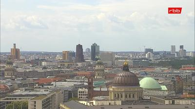 Daylight webcam view from Berlin: Town Hall Rathaus