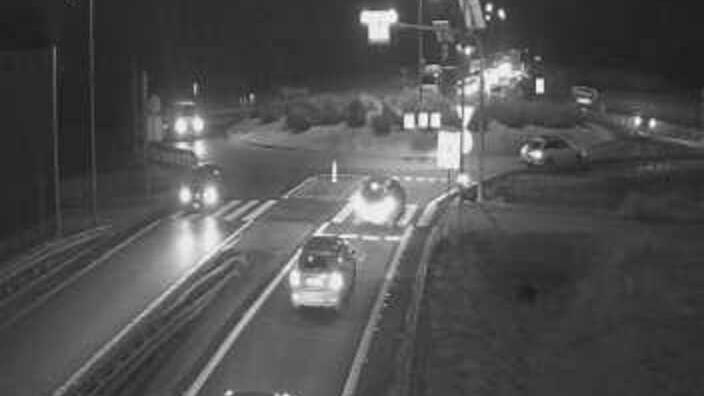 Webcam Cedzyna › East: droga S74 kierunek wschodni − rond