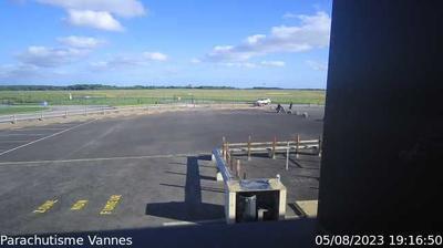 Monterblanc › Est: Meucon Airport