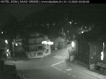 Saas-Grund: Saas Grund - Webcam Hotel Das Dom