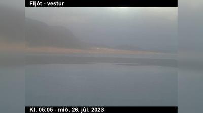 Thumbnail of Akureyri webcam at 9:04, Sep 19