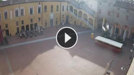 Webcam Ferrara: piazza municipale