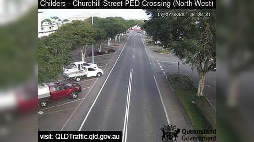 Webcam Childers: Pedestrian Crossing − facing west