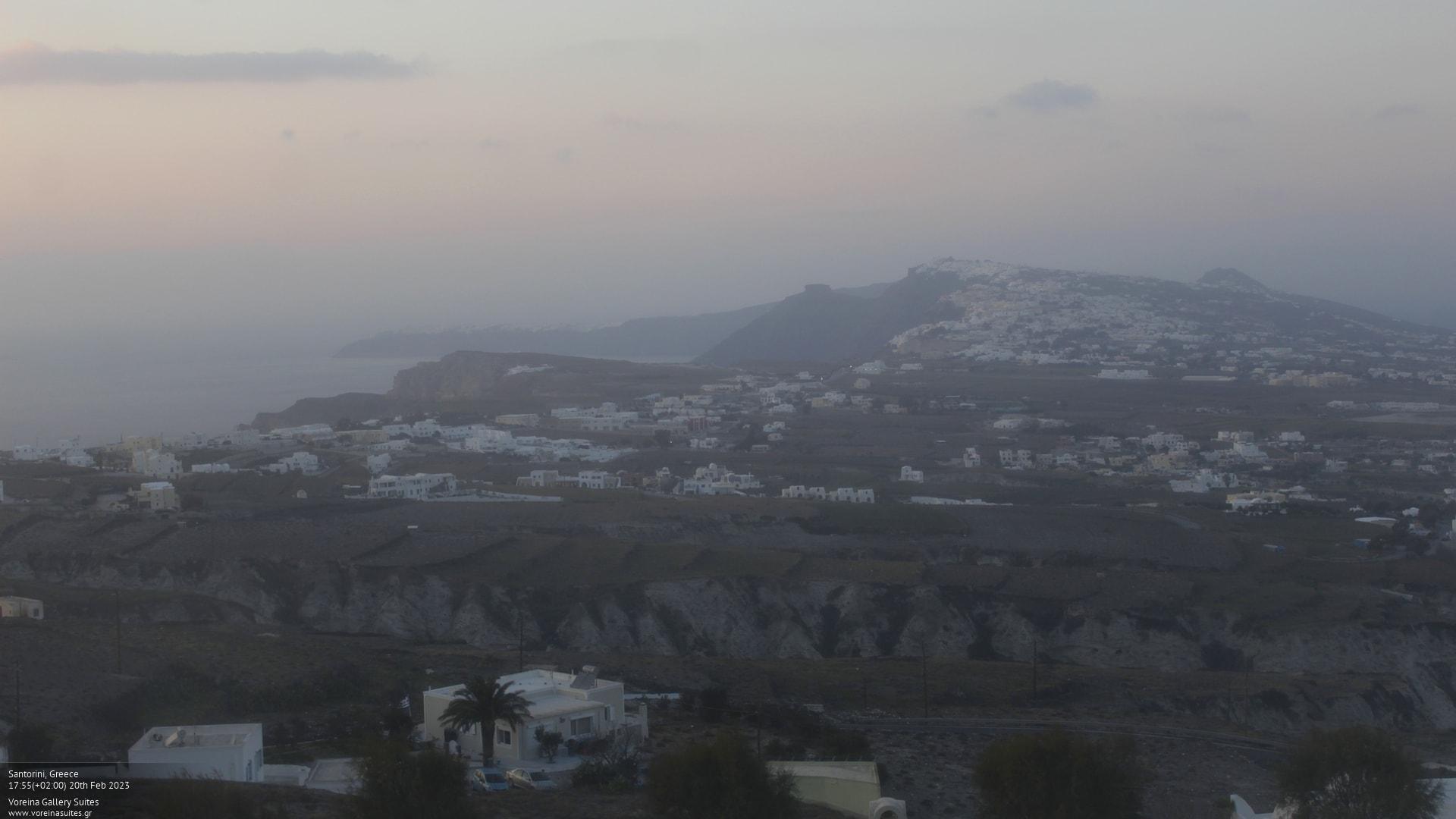 Webkamera Santorini: Santorino − Voreina Gallery Suites°