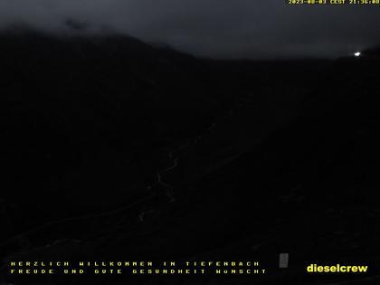 Realp: Blick vom Weiler Tiefenbach zum Furkapass