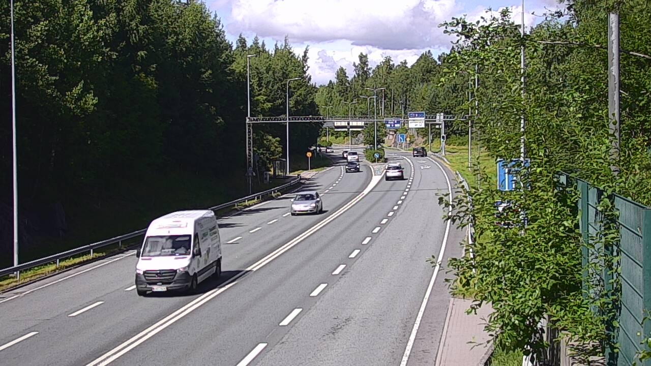 Webcam Espoo: Tie 102 Hiidenkallion tunneli, suuaukko poh
