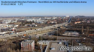 Studentenstadt München-Freimann - Nord-Blick zur A-Hochbrücke und Allianz-Arena