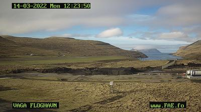 Daylight webcam view from Vatnsoyrar: Vagar Airport − Threshold