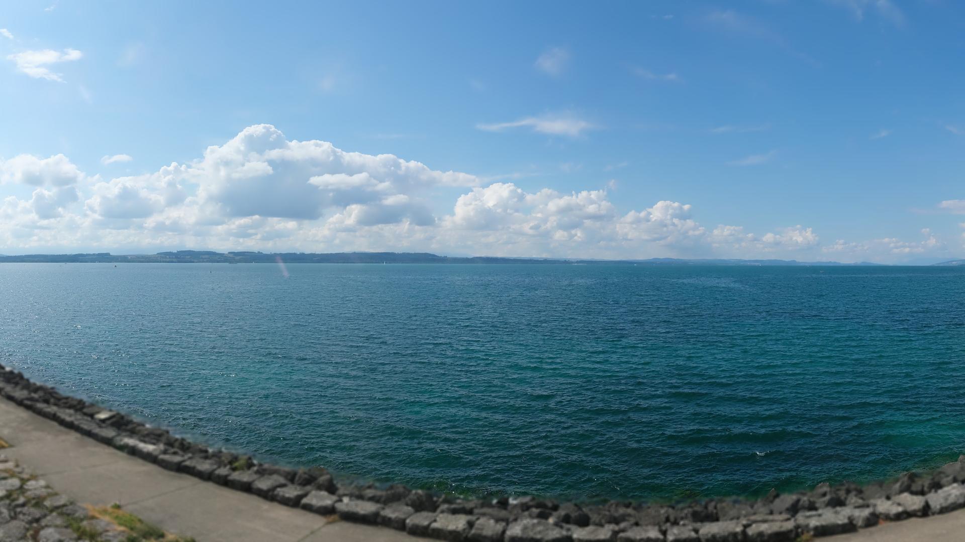 Webcam Saint-Blaise NE: Chaumont − Chaumont − Thielle − N