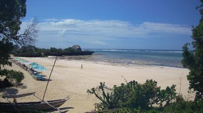 Daylight webcam view from Chale Island: The Sands At Chale Island