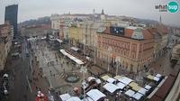 Zagreb: Ban Jelačić Square - Day time