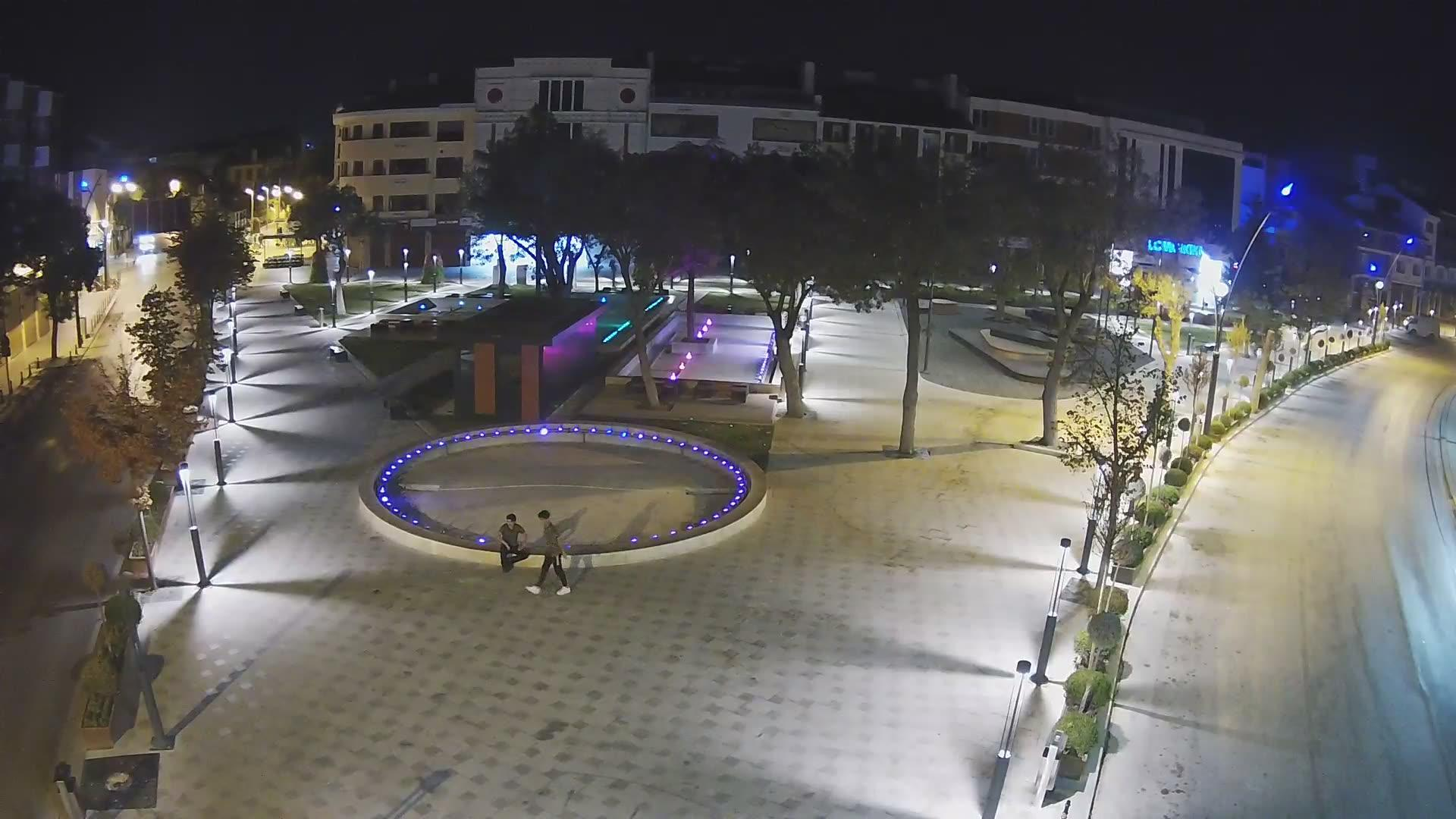 Webkamera Konya: Zafer Meydanı Yer Saati − Zafer Square