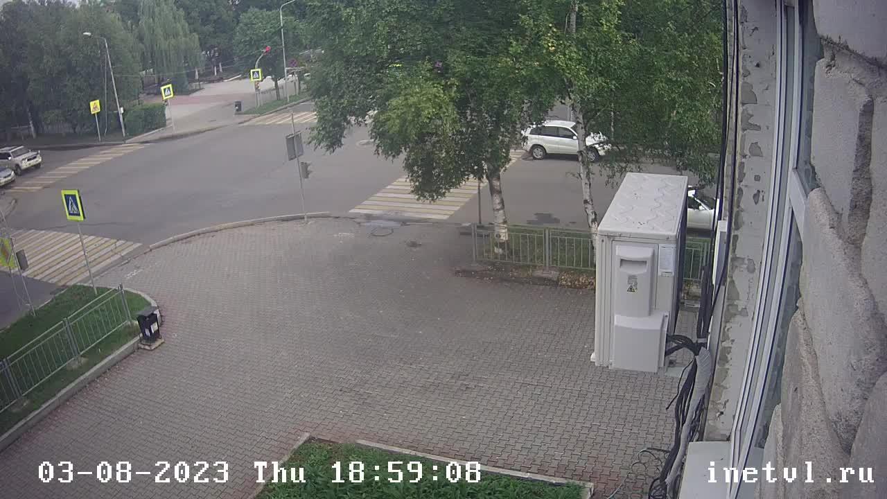 Webkamera Ussuriysk: Суханова 59 Вид на перекресток улиц Сух