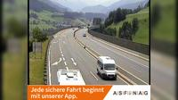 Ultima vista de la luz del día desde Zieglstadl: A13, bei Raststätte Matrei Ost, Blickrichtung Brenner − Km 17,03