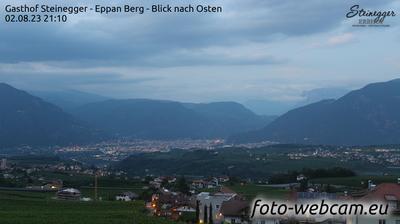 Eppan an der Weinstraße - Appiano sulla Strada del Vino: Gasthof Steinegger - Eppan Berg - Blick nach Osten