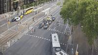 Barcelona: Diagonal at Francesc Macià (looking to outbound West - cars entering into BCN) - Actual
