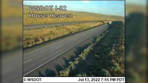 Webcam Highland: Horse Heaven Looking North on I-82@ MP 1