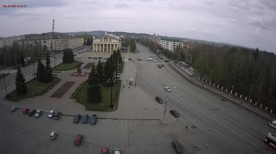 Vista de cámara web de luz diurna desde Нижний Тагил: pr. Lenina, 57