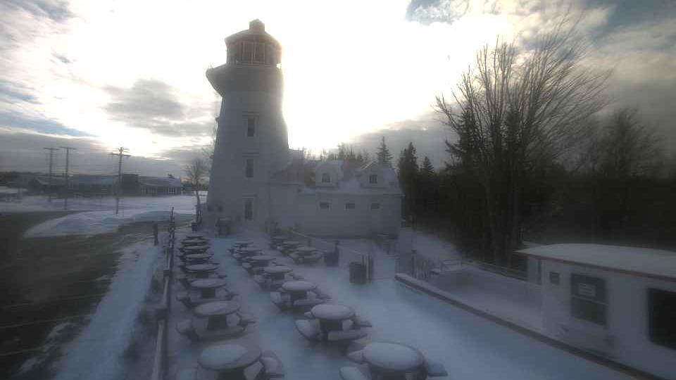 Webcam East Mines Station: The Lighthouse at Masstown Mar