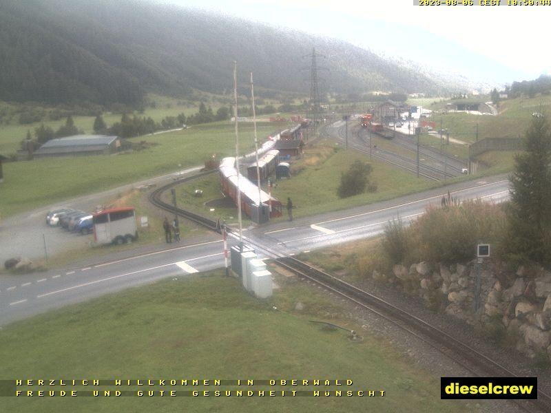 Oberwald: Blick zu den Bahnhöfen der Dampfbahn Furka-Bergstrecke und der Matterhorn-Gotthard-Bahn