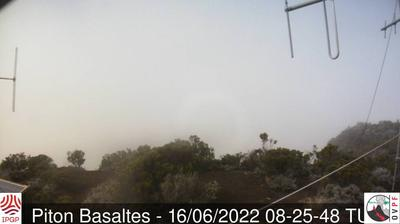 Current or last view from Piton de la Fournaise › East