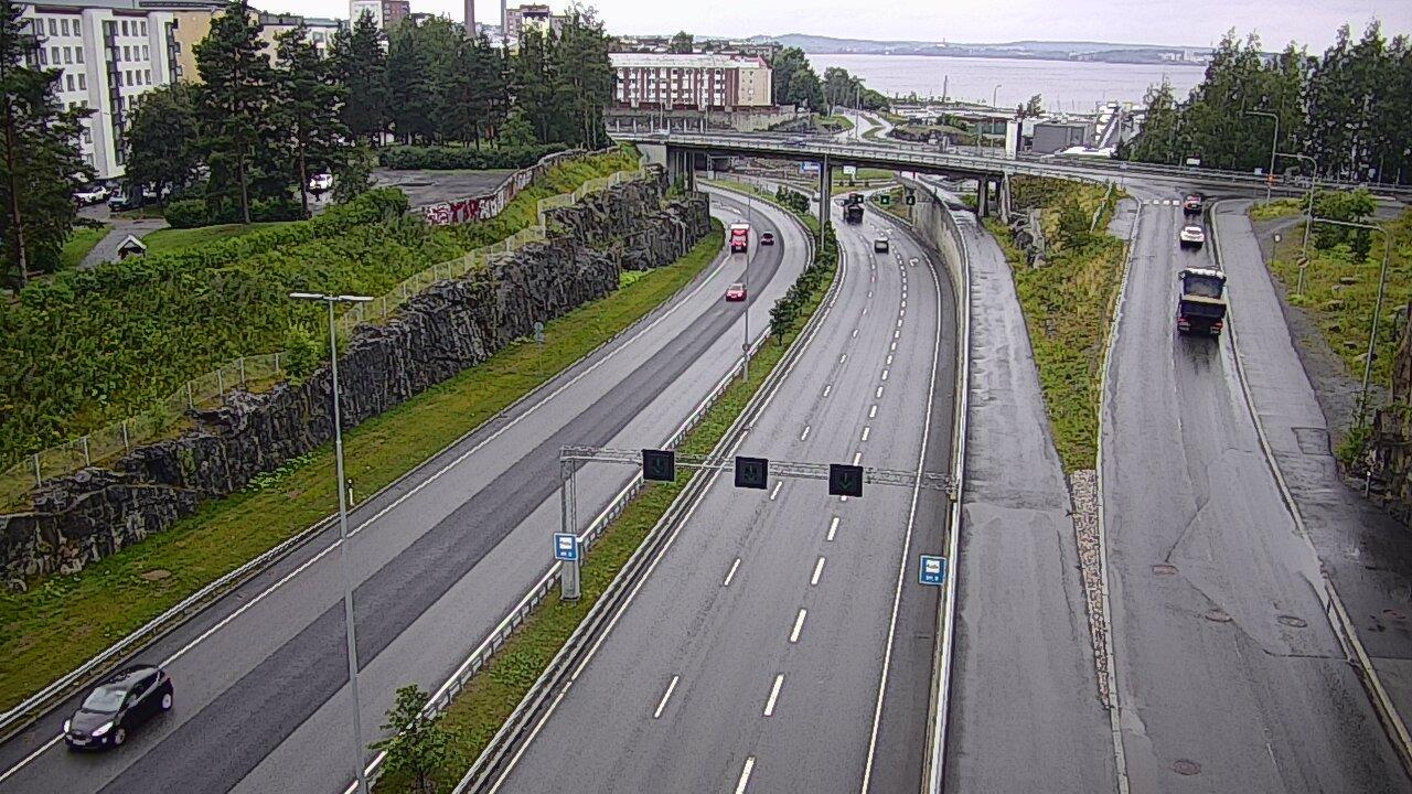 Webcam Tampere: Tie 12 − Marjatansilta