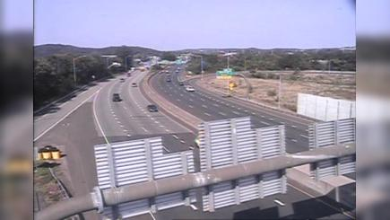 Traffic Cam Orange Street Historic District › South: CAM  New Haven I- SB Exit - Trumbull St