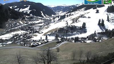 Daylight webcam view from Unterberg: Webcam Hotel Rattersberghof Grossarl Skigebiet