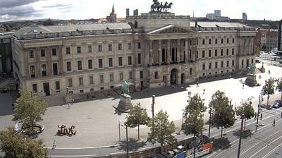 Daylight webcam view from Braunschweig: Schloss