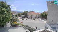 Ledenice: Novi Vinodolski - main square - Overdag