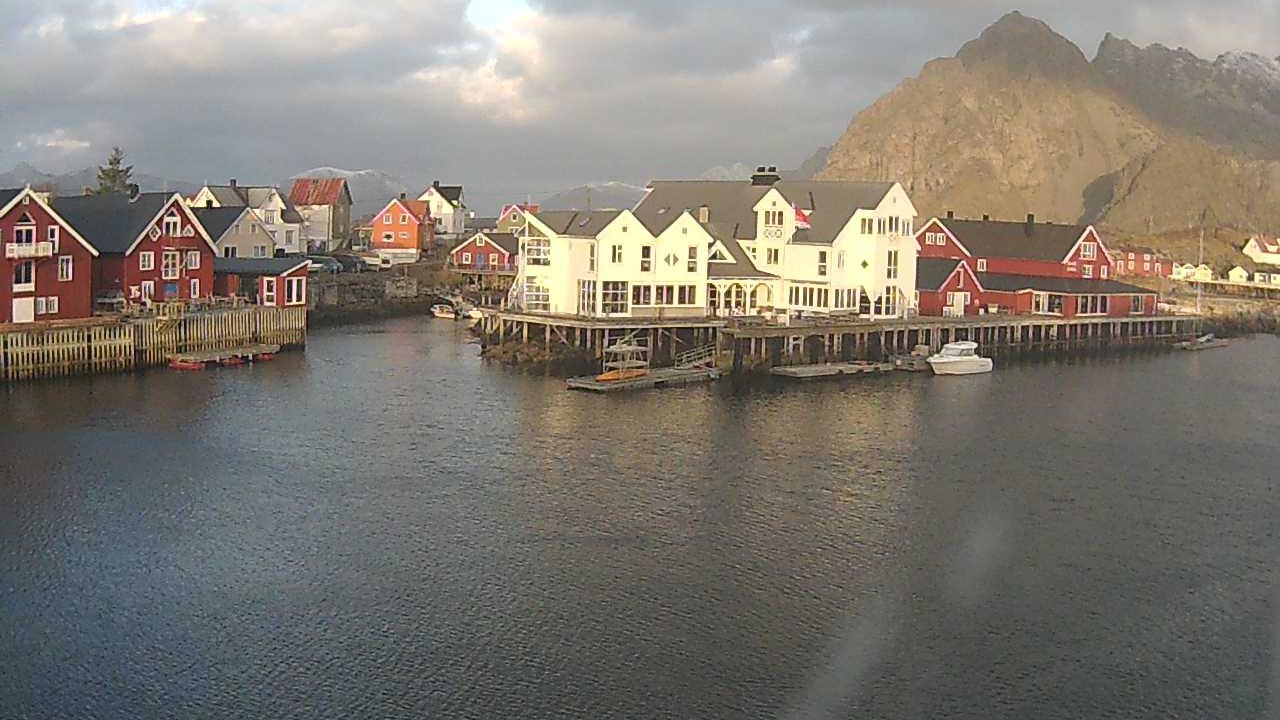 See Henningsvaer › North: Festvågtind Live Webcam & Weather Report in  Henningsvær, Nordland, NO