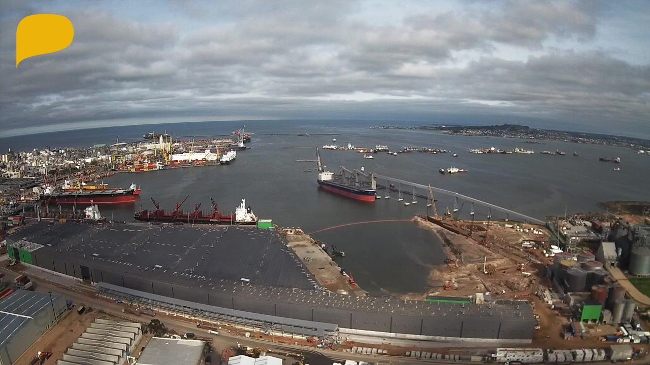 Webcam Montevideo › South-West: Port of Montevideo