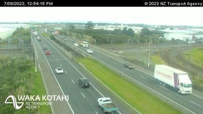 Tageslicht webcam ansicht von Wiri › North: SH20 Plunket Ave Overbridge