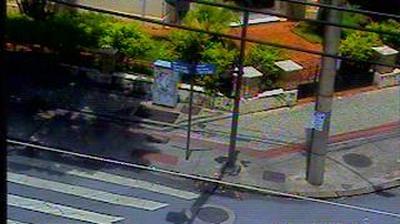 Vista de cámara web de luz diurna desde Belo Horizonte: Bias Fortes c/ Alvares Cabral − Traffic
